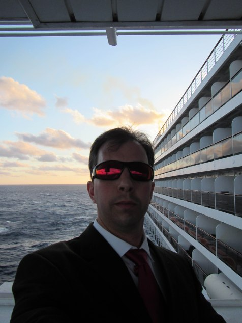 146s - 1st Day at Sea on the QM2