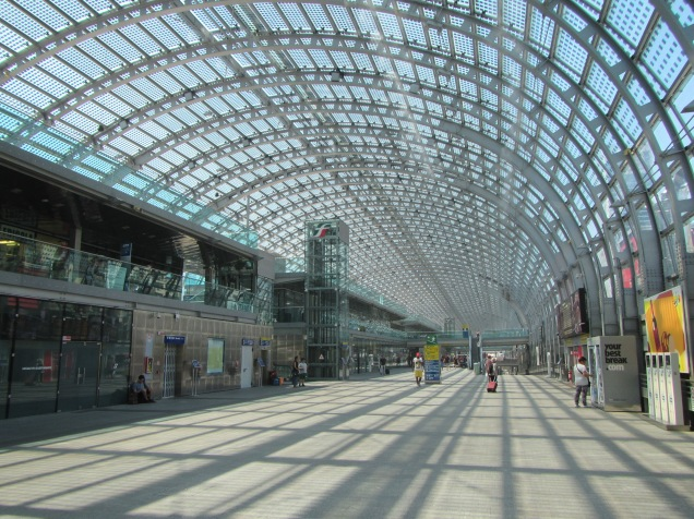 1057 - Turin train, subway and bus station