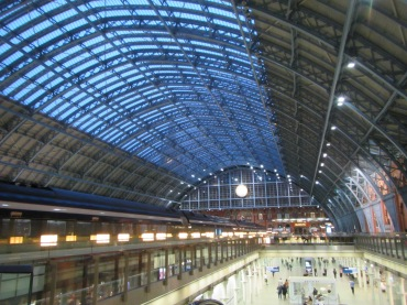 659- walking around london(St. Pancras Station - high speed 1)