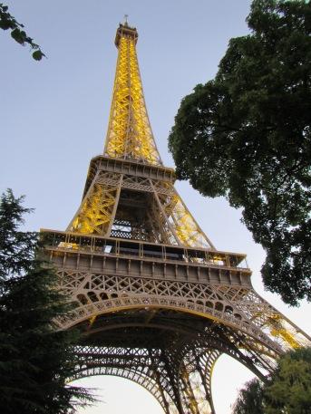 711 - Paris