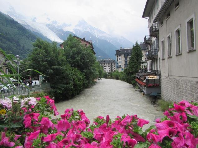 869 - town of Chamonix