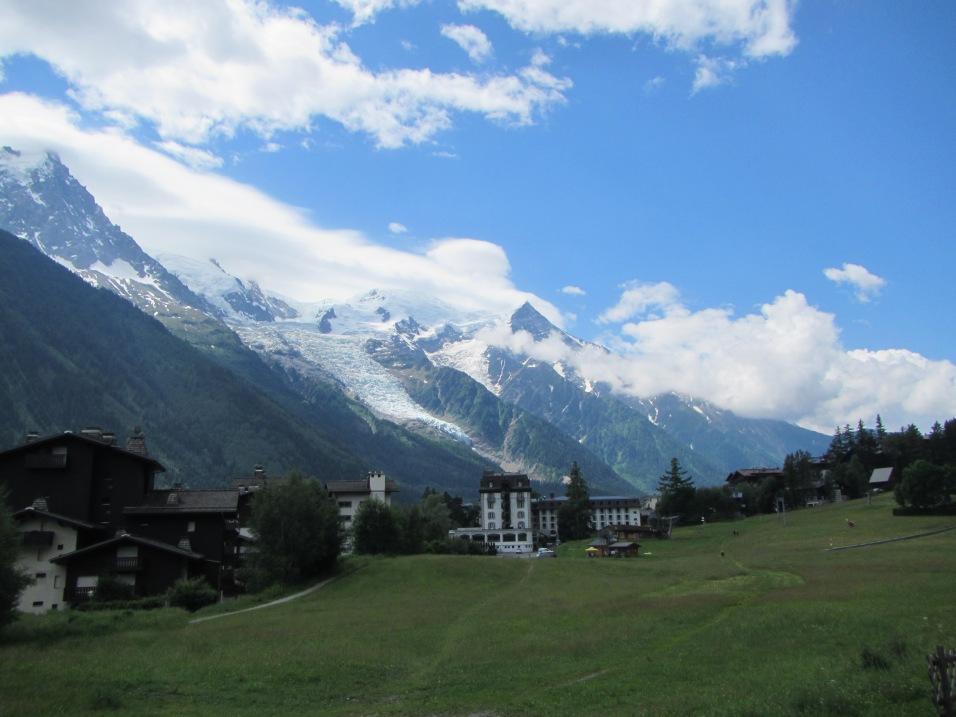 875 - town of Chamonix