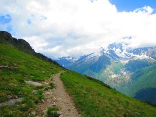 893 - hiking North of chamonix town site