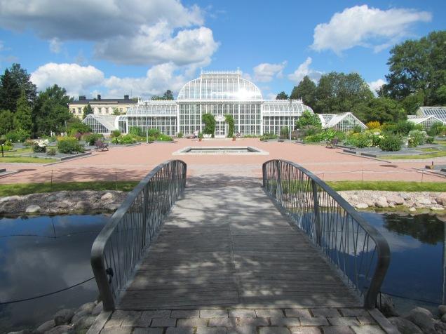 2328 - Walking around Helsinki(tree of life garden)