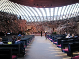 2371 - Walking around Heisinki (rock church)