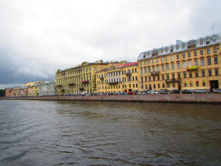 2404 - walking around Saint Petersburg