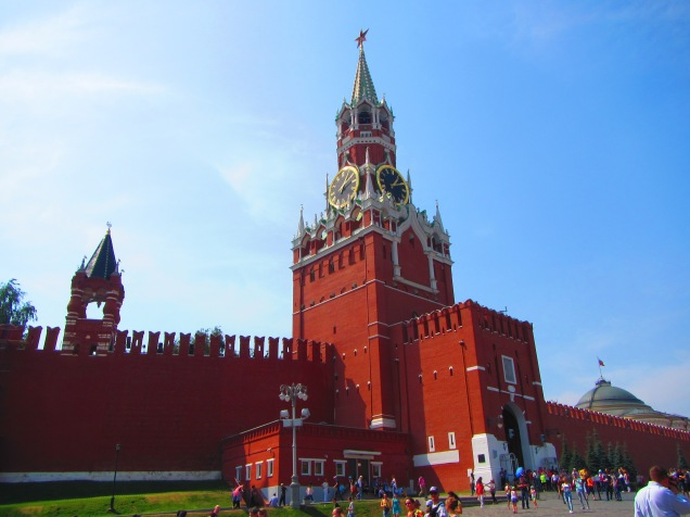 2766 - Walking around Moscow