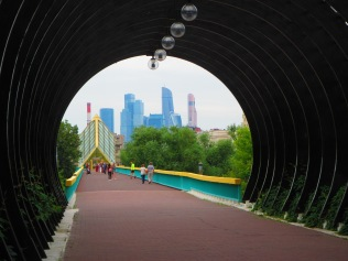 2811 - walking around Moscow