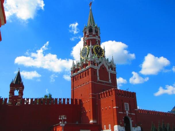 2880 - walking around Moscow.