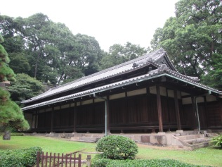 4381 - walking around Toyko(imperial palace)