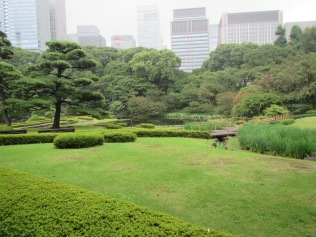 4393 - walking around Toyko(imperial palace)