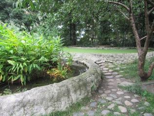 5680 - walking around Chengdu(water filter park)