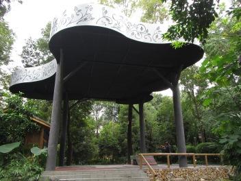 5701 - walking around Chengdu(water filter park)