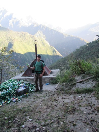 6286 - Hikeing at tiger leaping gorge - day 1