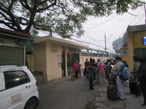 6488 - the train ride to Honio(station just shy of Hanoi)