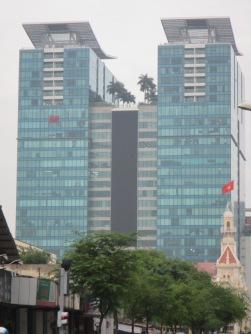 6580 - walking around Ho Chi Minh City