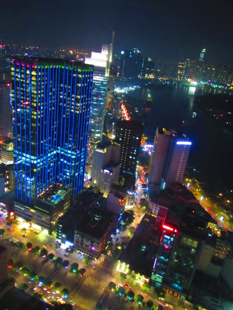 6593 - walking around Ho Chi Minh City(Bitexco Financial Tower)