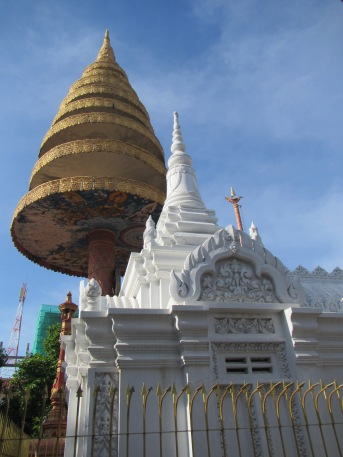 6740 - the Phnom Penh Water Festival(day 2 walking around town)
