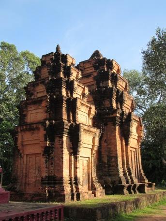6925 - Exploring Siem Reap and Wats lots of wats day 1