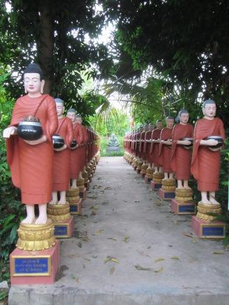 6930 - Exploring Siem Reap and Wats lots of wats day 1