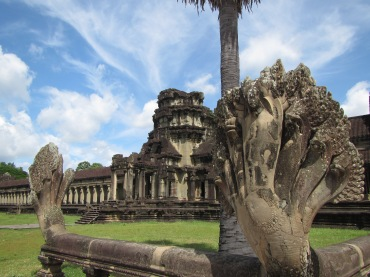 7006 - Exploring Siem Reap and Wats lots of wats day 2(Angkor Wat and Baphuon)