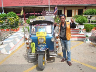 7234 - bus:tuk tuk:train ride from Siem Reap to Bangkok (what a trip)