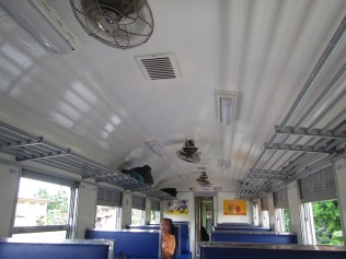 7240 - bus:tuk tuk:train ride from Siem Reap to Bangkok (what a trip)