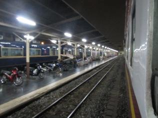 7253 - bus:tuk tuk:train ride from Siem Reap to Bangkok (what a trip)