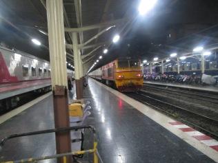 7256 - bus:tuk tuk:train ride from Siem Reap to Bangkok (what a trip)