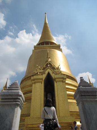 7284 - walking around Bangkok (Day 2 - the Imperial Palaces and Royal Crematorium)