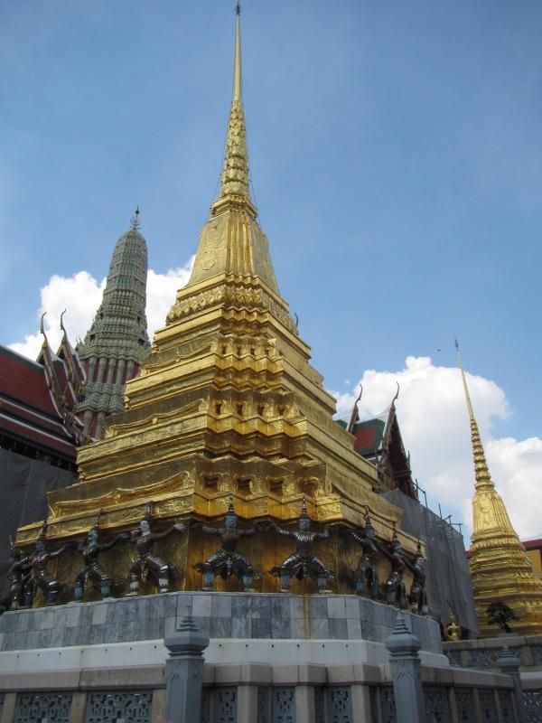 7294 - walking around Bangkok (Day 2 - the Imperial Palaces and Royal Crematorium)