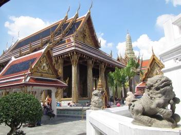 7298 - walking around Bangkok (Day 2 - the Imperial Palaces and Royal Crematorium)