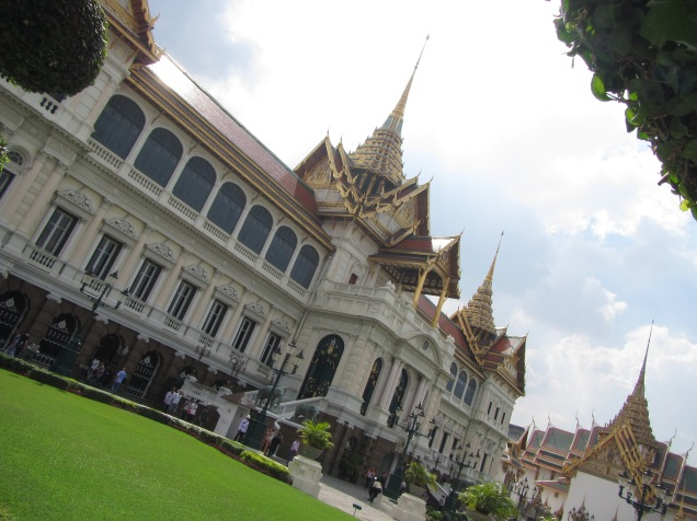 7302 - walking around Bangkok (Day 2 - the Imperial Palaces and Royal Crematorium)