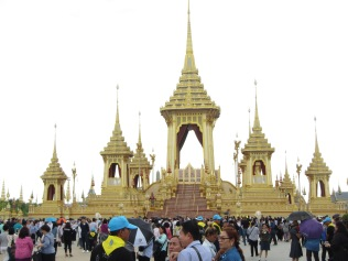 7310 - walking around Bangkok (Day 2 - the Imperial Palaces and Royal Crematorium)