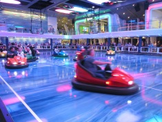 8184 - walking around the Ovation of the Sea(bumper cars)