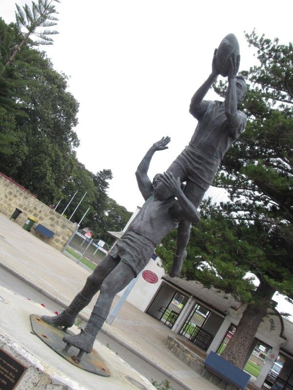 8195 - a walk around Perth