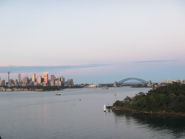 8407 - entering sydney harbour