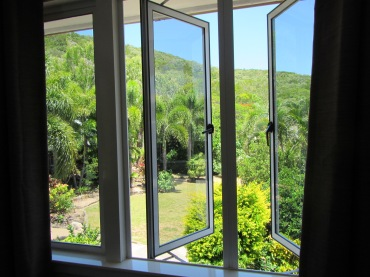 8703 - looking around Cooktown(a room with a view)