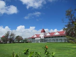 10479 - Nuku' Alofa - walking around town