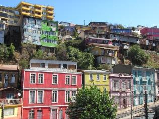 11565 - walking around Valparaiso