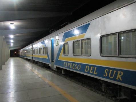 12064 - train to Oruro