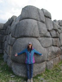 12189 - walking around four historical site near Cusco