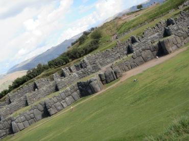 12199 - walking around four historical site near Cusco