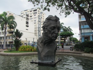 12798 - walking around the historical park and the bordwalk in Guayaquil