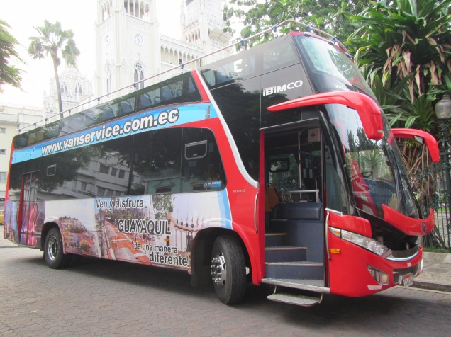 12813 - Tour bus of Guayaquil