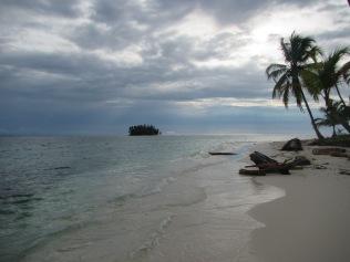 13454 - exploring the san blas Island