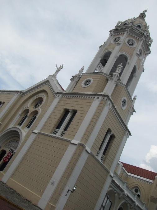 13624 - exploring around panama city