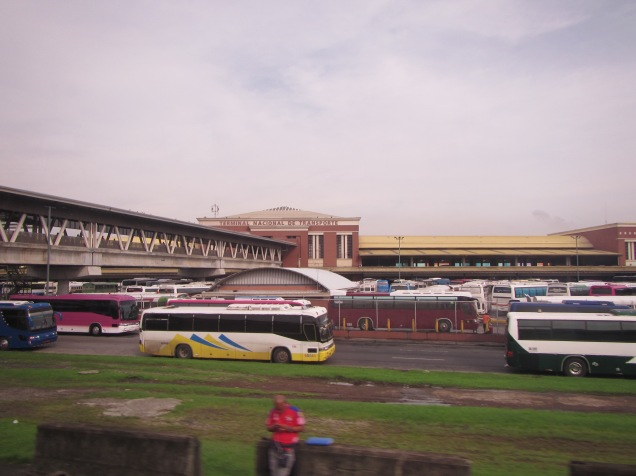 13636 - the bus ride from panama to David (outside the bus station)