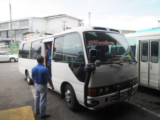 13647 - the bus ride from David to the Osa Peninsula (outside bus)