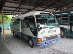 13819 -the bus ride from Tegucigalpa to Guatemala City(outside bus)